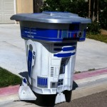 R2-D2 Garbage Can Mod [pic]