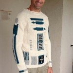 Star Wars R2-D2 Sweater [pic]