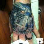 R2-D2 Hand Tattoo [pic]