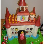 Amazing Super Mario Bros Gingerbread Castle [pic]