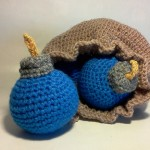 Legend of Zelda Link's Crochet Bomb Bag and Bombs [pic]