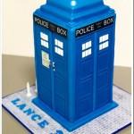 A TARDIS Birthday Cake with Working Light [pic]