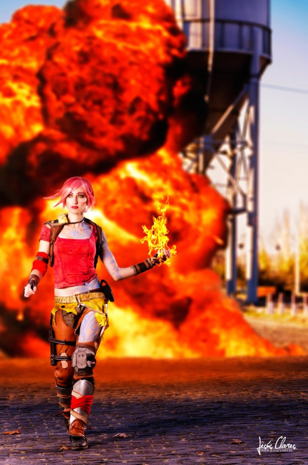 Spectacular Lilith Cosplay from Borderlands 2 [pics ... Lilith Borderlands 2 Cosplay