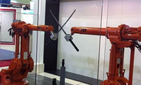 Robot Katana Fight