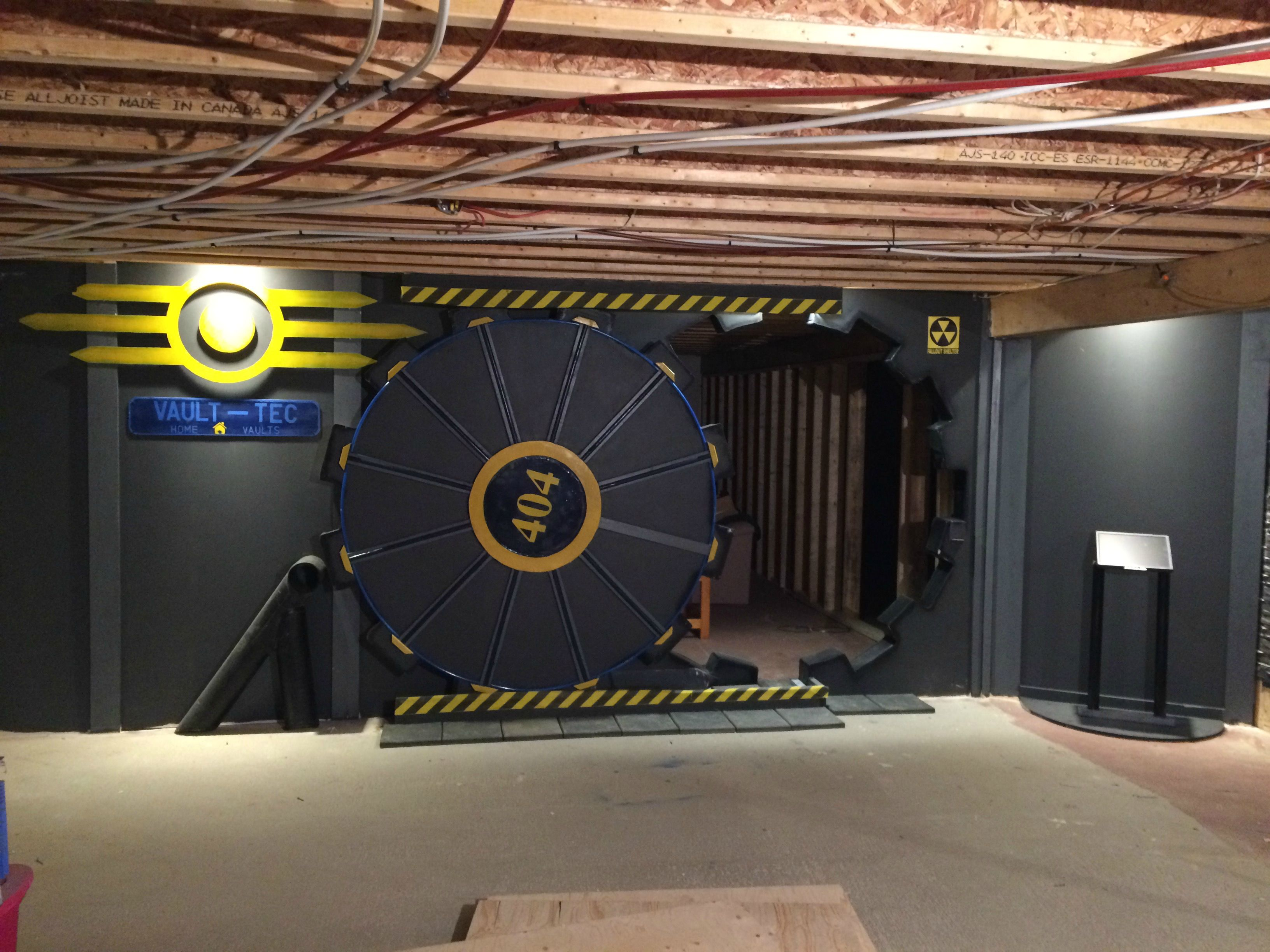 Man builds 39 fallout 39 vault tec door for his gaming room How to make your own house in fallout 3