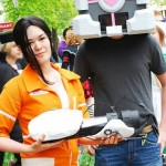 Chell and Companion Cube Portal Cosplay [pic]