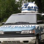 Massive R2-D2 in a Minivan [pic]