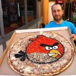 Giant Angry Birds Pizza [pic]