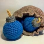 Legend of Zelda Link's Crochet Bomb Bag and Bombs [pic]
