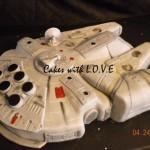 Awesome Millennium Falcon Cake [pic]