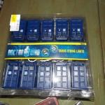 Doctor Who TARDIS Christmas Lights [pics]