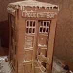 Gingerbread TARDIS and K-9 [pic]