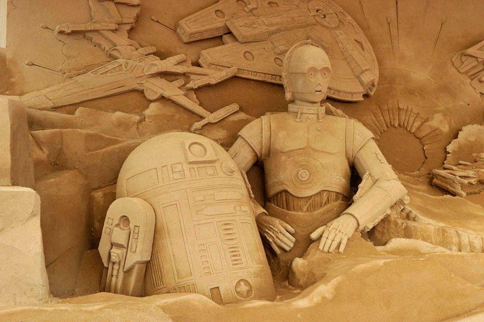 Star Wars: The Force Awakens Sand Sculpture