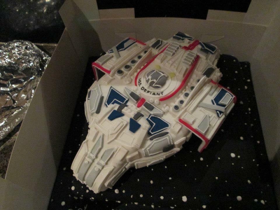 Star Trek Deep Space Nine Defiant Cake